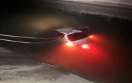 سقوط خودروی 206 داخل کانال آب