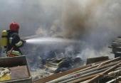 آتش سوزی بزرگ  درشهرک صنعتی منتظریه نجف آباد