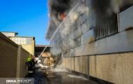 حریق کارخانه چسب حبیب آباد ۴ مصدوم داشت